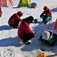 かなやま湖のワカサギ釣り大会