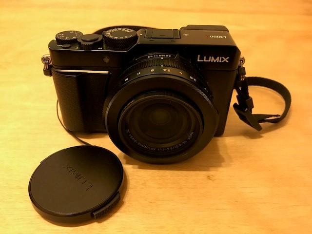 パナソニックの根アp区とデジタルカメラ LX100M2