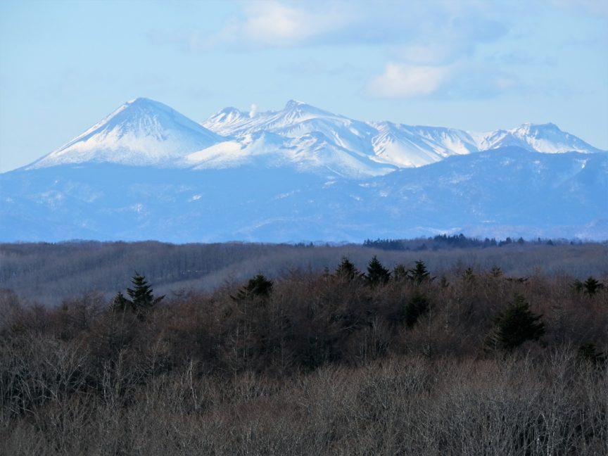 釧路湿原から見た山並み