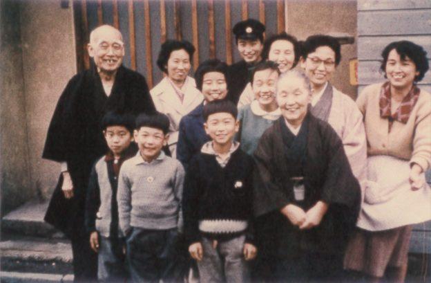 1964年 親戚の集合写真