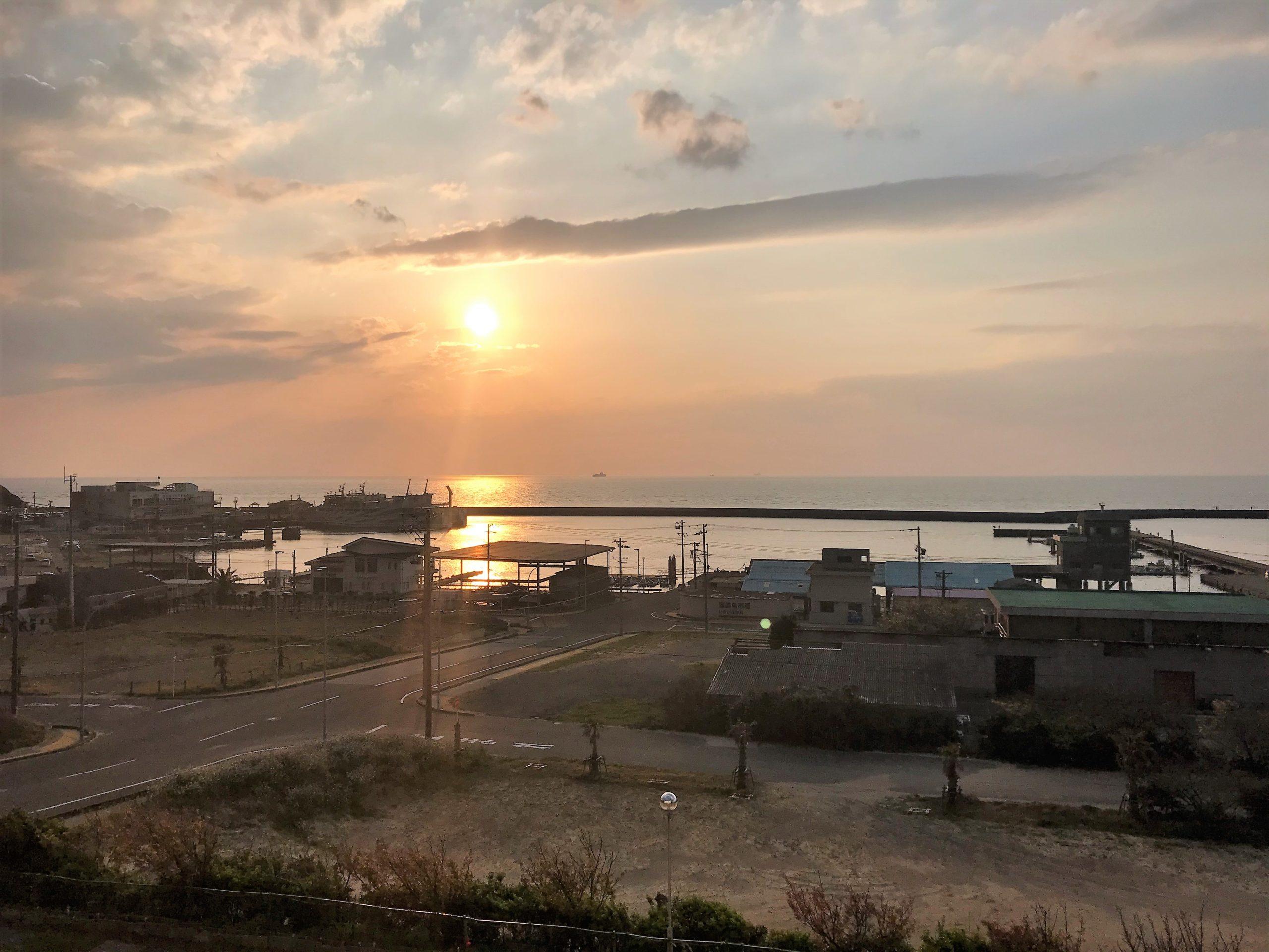 伊良湖港の夕陽