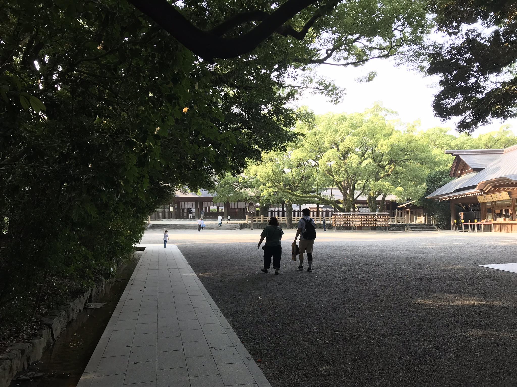 熱田神宮の境内