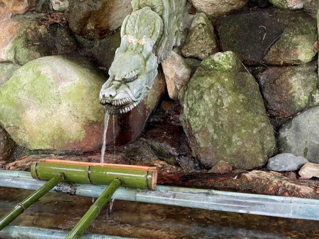 手水場の龍の口