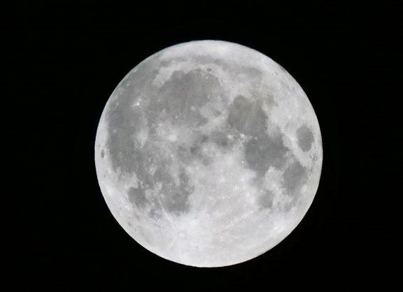 ハロウィンの満月